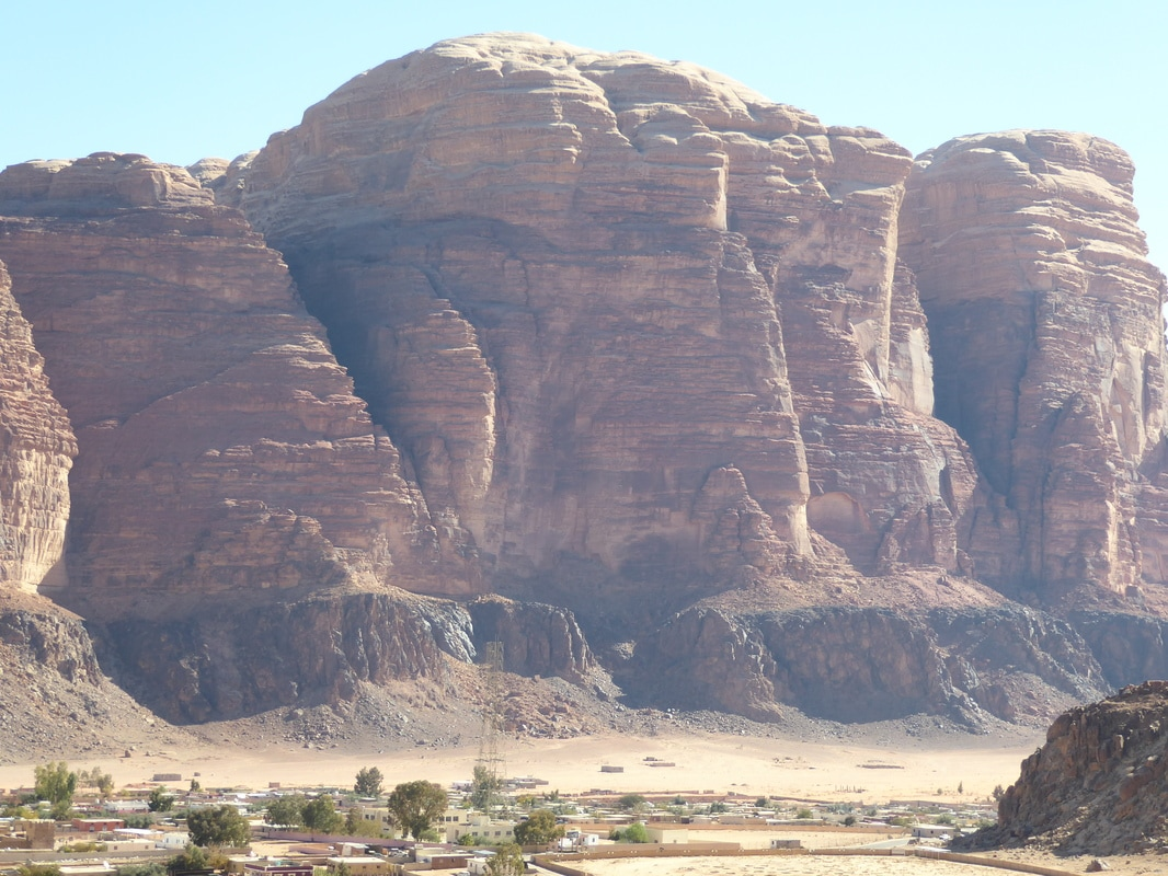 Wadi Rum jeep tour and camping under the stars